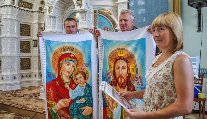 Унікальний іконостас вишитий бісером прикрашає храм на Тернопільщині