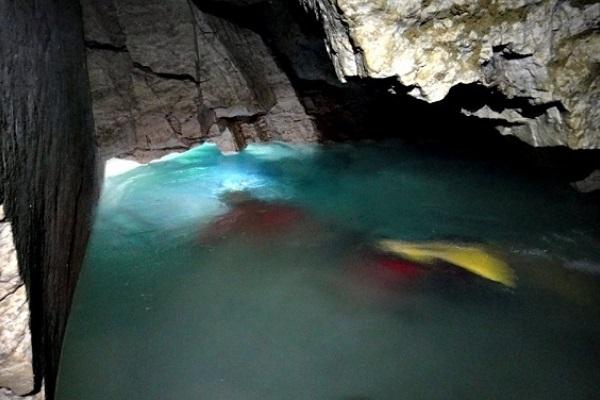 Найбільше підземне озеро України на Тернопільщині досліджують спелеодайвери