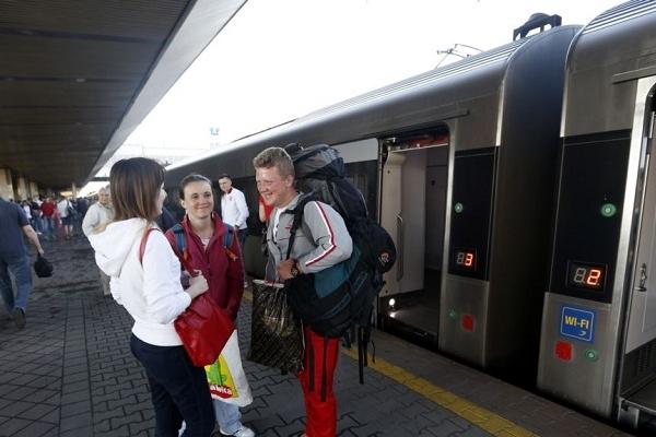 «Укрзалізниця» запускає продаж квитків онлайн на ще два потяги до Польщі