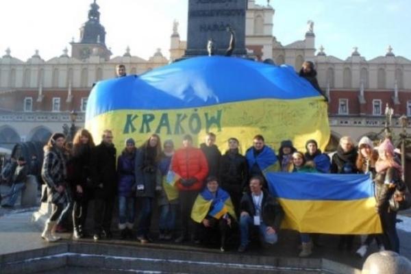 Українці мігрують до Польщі, щоб не служити в армії: нове дослідження