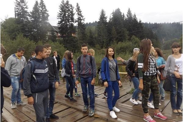 Першокурсників Заліщицького агроколеджу для початку вивезли в гори