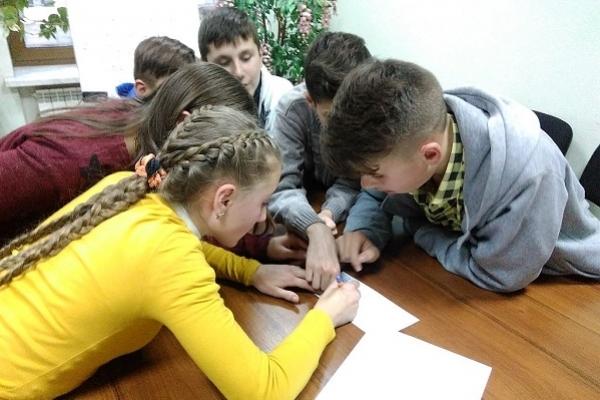 Учні з Лозової мандрували країною професій