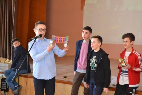 Тернопільські школярі вигадали пристрої, корисні для школи, дому і міста