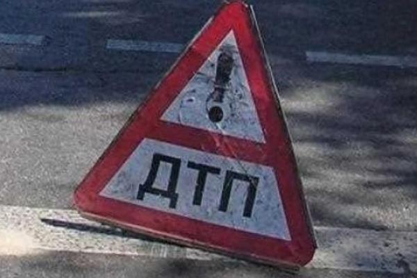 У Тернополі мотоцикл не розминувся із … парканом (Фото)