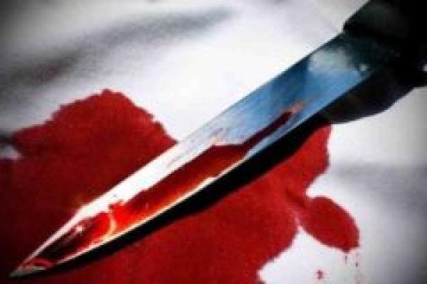 Мешканець Тернопільщини зарізав себе кухонним ножем