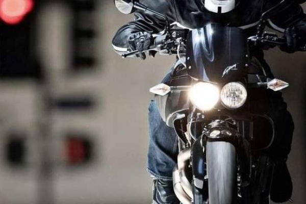 У Тернополі неподалік автовокзалу на дівчину наїхав мотоцикліст