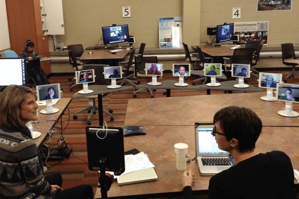 Нічого собі: як андроїди заміняють студентів в університетах