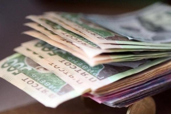Тернополяни в середньому мають понад 7000 гривень зарплати