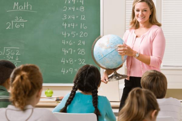 Випускникам педагогічних вишів тепер ще важче буде влаштуватися на роботу за спеціальністю