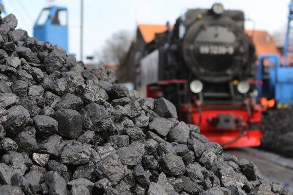 Більш ніж половину обсягів вугілля Україна закуповує в Росії