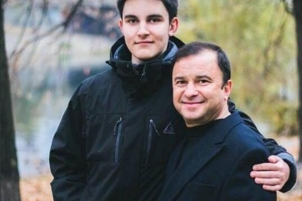 Віктор Павлік просить про допомогу для молодшого сина