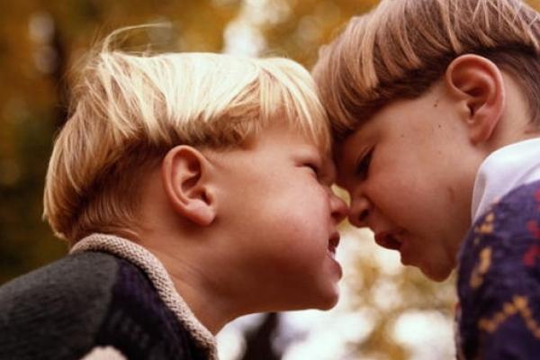 Вживання великої кількості цукру робить дітей більш агресивними