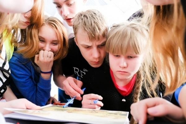 «Збочення!»: В Україні розгорівся скандал навколо дитячого підручника для шкіл (Фото)