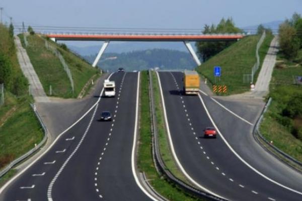 Ще не побудували, а грошики вже рахують: Скільки коштуватиме проїзд платними дорогами в Україні