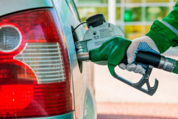 Ціни на бензин злетять вдвоє: Українців попередили про паливний «удар» (Відео)
