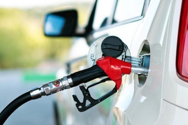 Заправщики знизили ціни на всі види бензинів