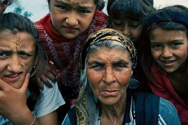Цигани продали 94 українців у жорстоке рабство по 500 грн (Фото)