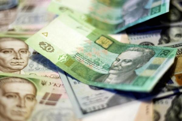 Українцям через декілька днів підвищать пенсії, зарплати і виплати: як розбагатіємо