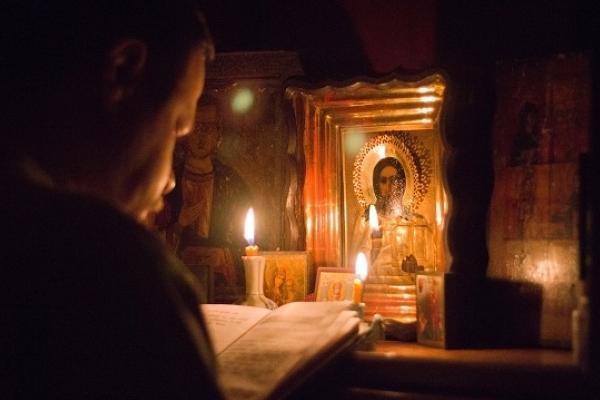 Сповідь один раз у році нічого не дає, крім нових гріхів