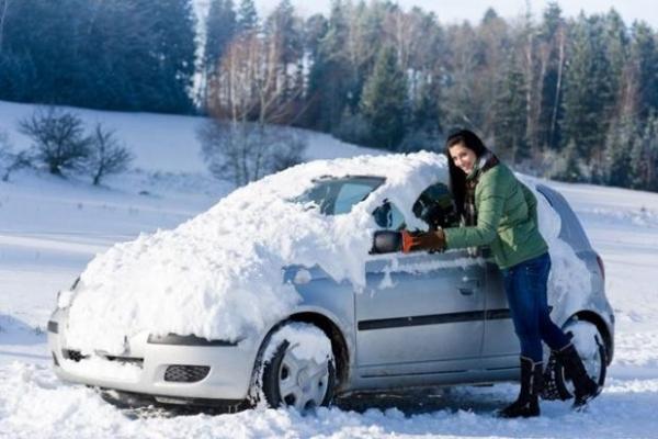 А ви це знали? Що не можна робити водієві після відлиги в мороз