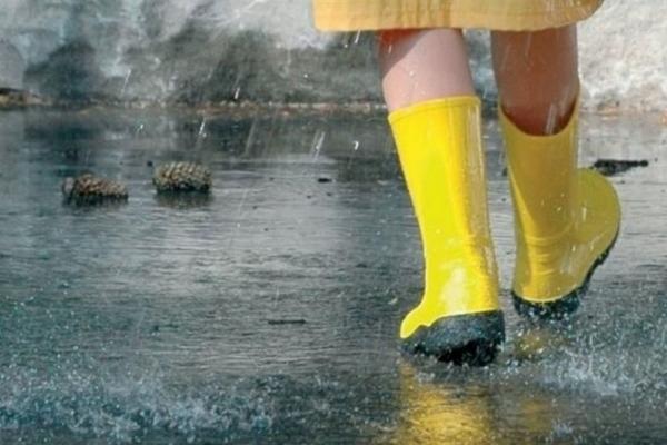 В Україну прийде атмосферний фронт, – синоптики розповіли, які регіони «накриють» дощі