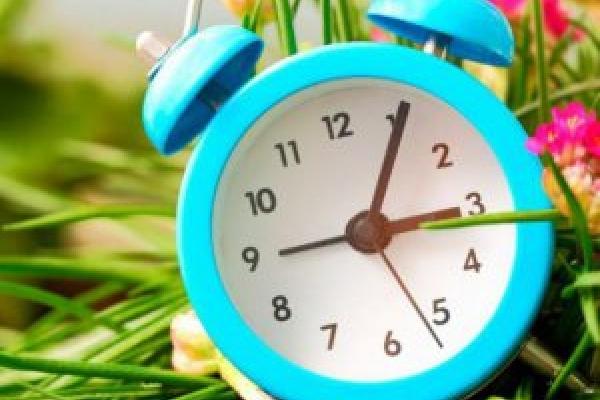 В Україні переведуть стрілки годинників: Названо дату