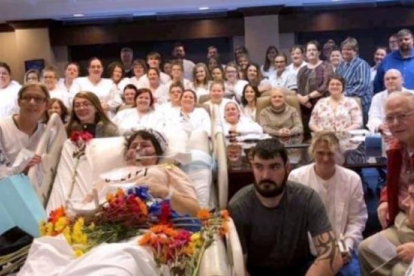 Студенти влаштували церемонію посвяти для хворої одногрупниці