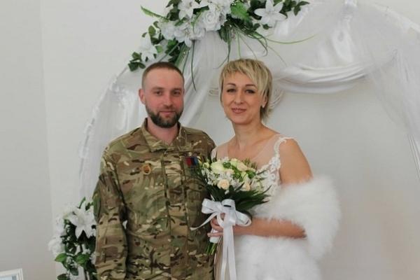 Учасник АТО зареєстрував шлюб у рамках сервісу Мін'юсту – «Шлюб за добу»