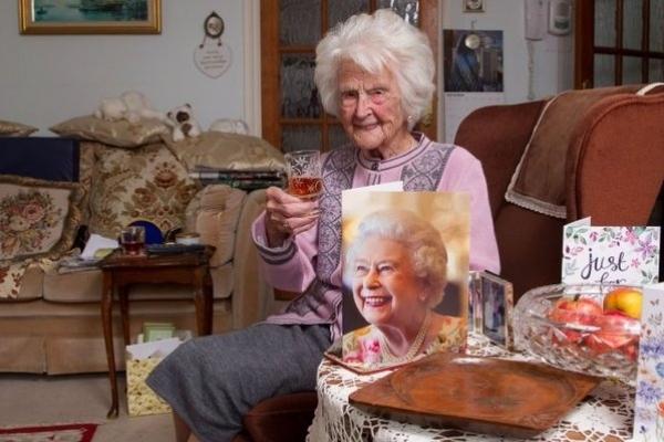 Шах і мат: жінка щодня пила віскі і прожила до 112 років