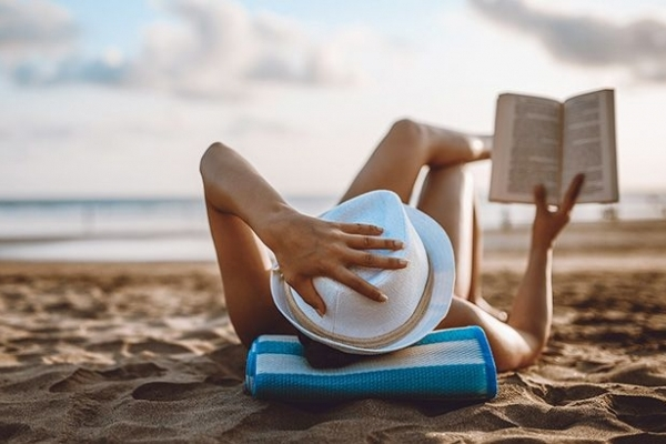 Топ-5 книг для ідеальної літньої відпустки