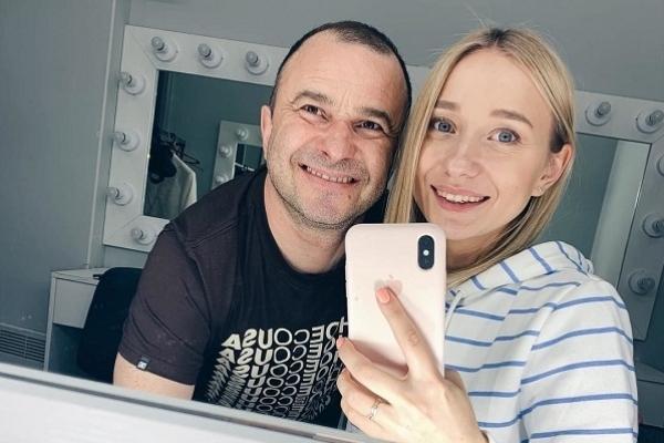 Віктор Павлік покинув дружину заради 25-річної