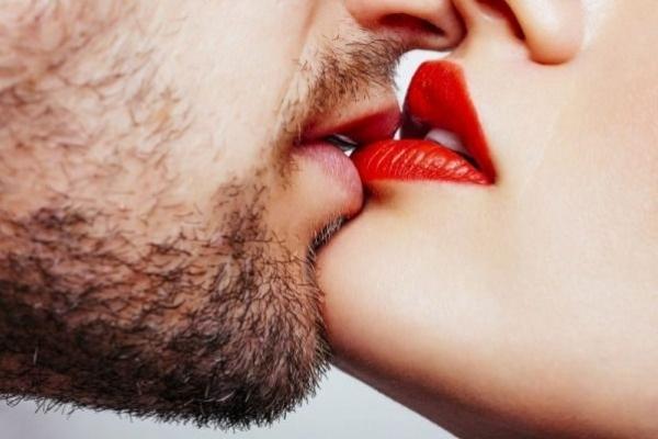 Ви будете шоковані: вражаючі факти про поцілунки