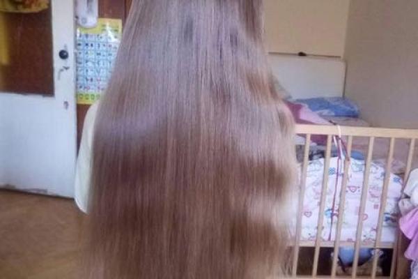 7-річна школярка віддала своє волосся на перуки онкохворим діткам (Фото)