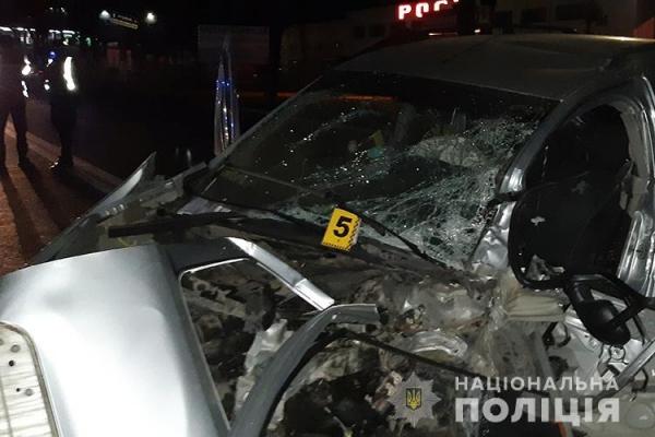 Вся дорога була залитою кров'ю: у Тернополі сталась страшна ДТП (Фото)