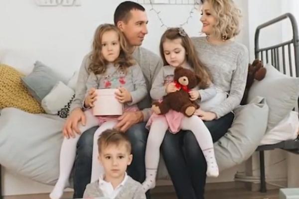 «Це не важко, а весело»: тернополянка виховує дві пари двійнят і 3-річну дівчинку (Відео)