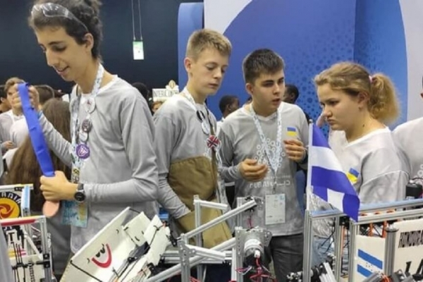 Українські школярі увійшли в ТОП-10 на міжнародній олімпіаді з робототехніки
