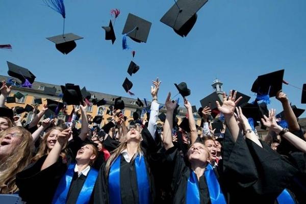 Новий закон може позбавити українців вищої освіти: про що мова