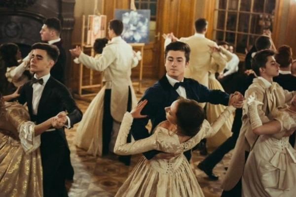 У Тернополі студенти танцюватимуть на балу, щоб допомогти онкохворим діткам