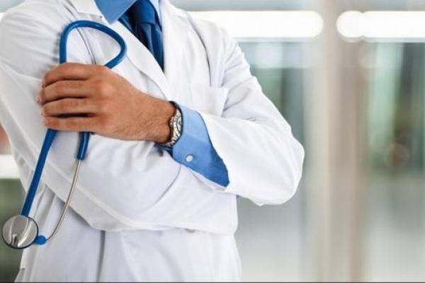 Українці в шоці: У мережі показали, скільки заробляє український лікар (документ)