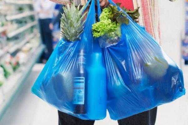 Слідом за Європою: Рада підтримала заборону пластикових пакетів в Україні