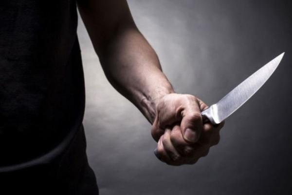 Батько жорстоко зарізав рідного сина: понівечене тіло знайшла матір