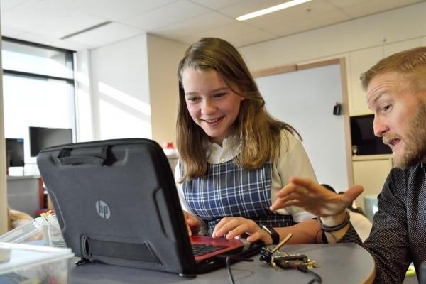 Українські школярі можуть безкоштовно навчитися «кодити»
