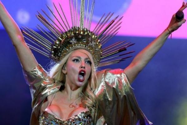 Зіркова українська співачка розповіла про огидні приниження на Росії (Відео)