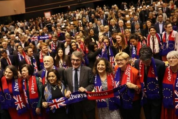 Британія та ЄС нарешті розлучились: Європарламент схвалив угоду про Brexit