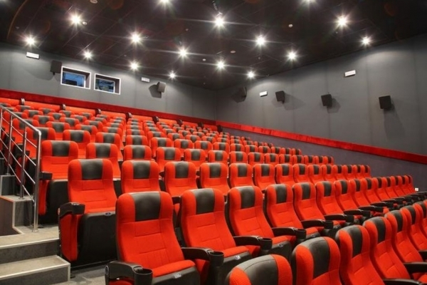 Між «Подолянами» та «Сінема Сіті» виник спір: чому можуть закрити кінотеатр (Відео)