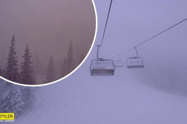 Популярний український курорт накрив сніговий шторм: моторошне відео