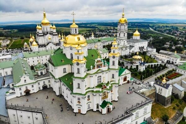 Правоохоронці перевірили чутки про зараження коронавірусом громадян Молдови у Почаївській лаврі