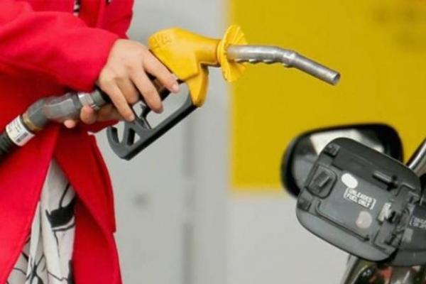 Експерт розповів, як зміниться вартість бензину під впливом пандемії коронавірусу