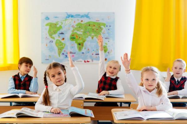 «З 1 вересня діти до школи все ж підуть»: повідомляє МОЗ