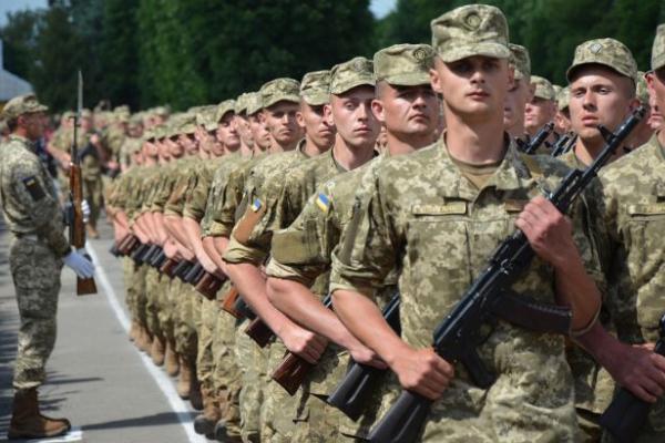В Україні хочуть ввести новий вид військової служби: кого і коли будуть призивати